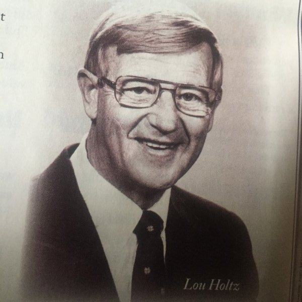 Lou Holts