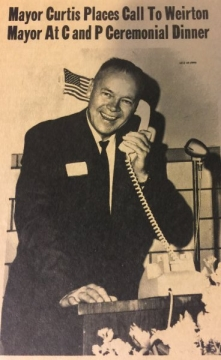Mayor Vincent Curtis